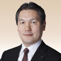 Präsident_Hisayuki_Suekawa