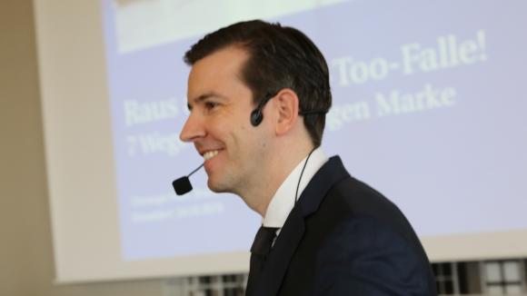 """Christoph Hack - Executive Brand Consultant Experte für Markenkontaktpunktmanagement, Markenanalyse und Markenstrategie: """"Raus aus der Me-Too-Falle!"""""""