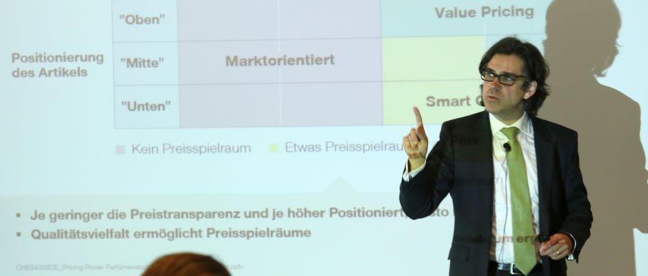 Dr. Tobias Maria Guenter, Senior Director bei Simon-Kucher & Partners, Strategy & Marketing Consultants