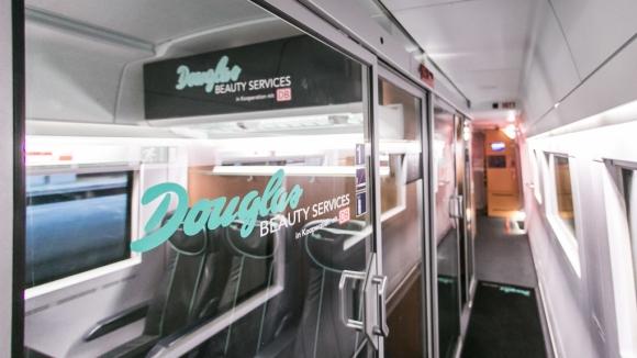 Douglas Beauty Train_580