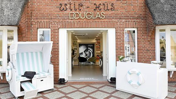 Douglas Erster Store Mit Neuem Logo Und Exklusivem Konzept